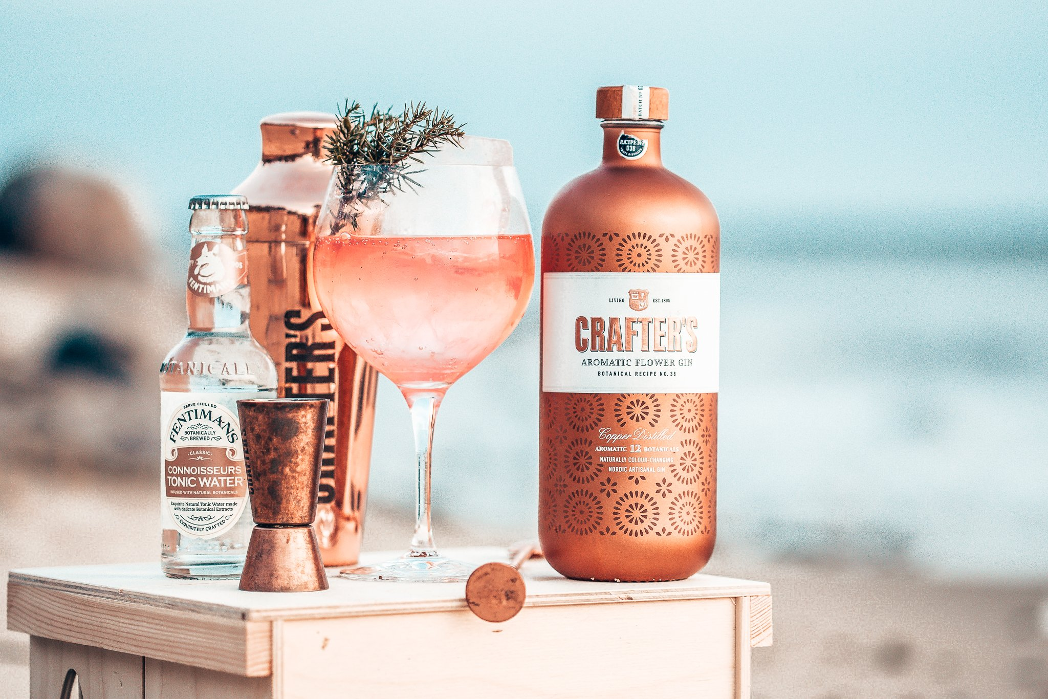 Crafter's Aromatic Flower Gin, Liviko Distillery, Alles over gin.
