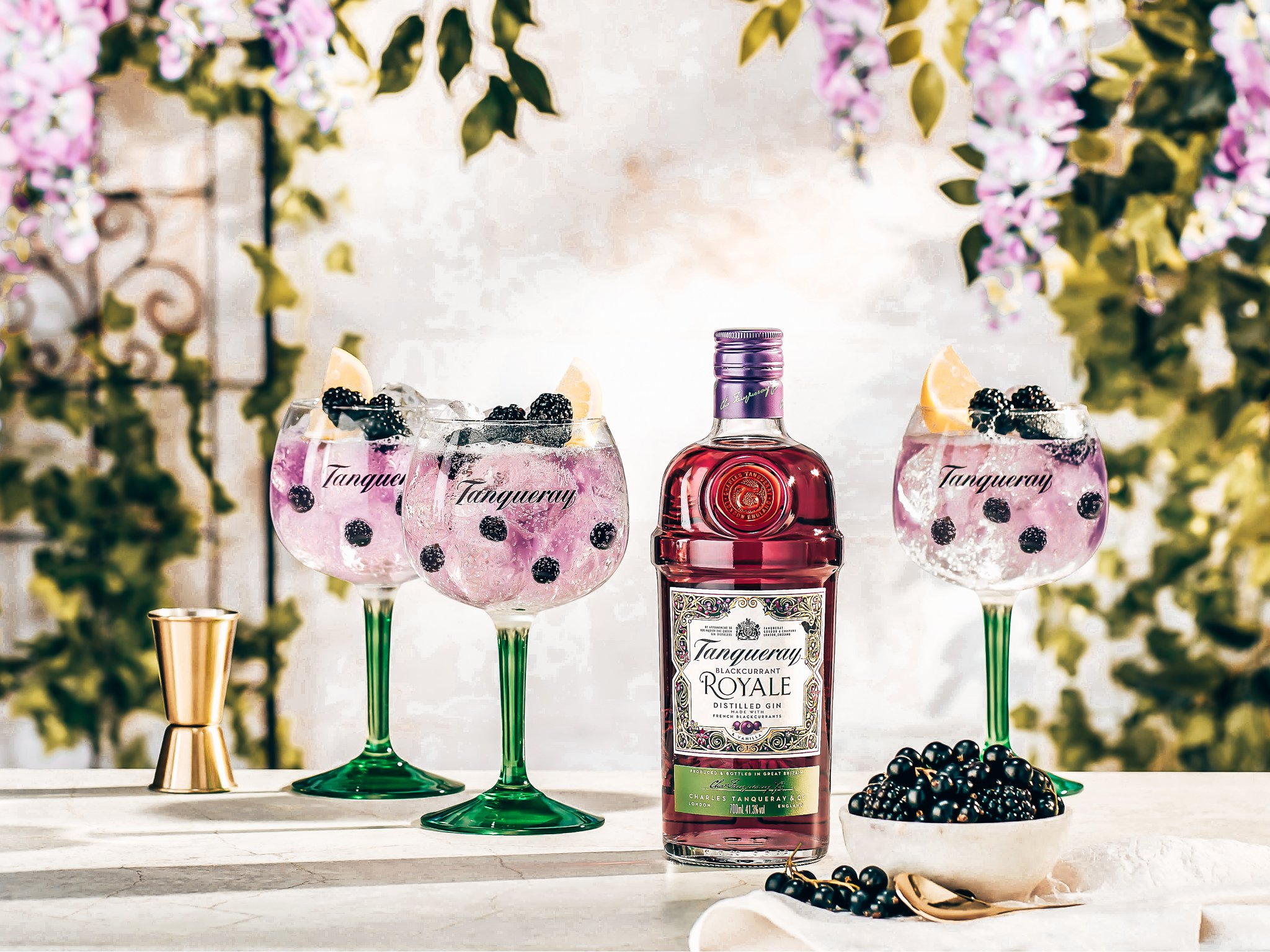 Tanqueray Blackcurrant Royale Gin, Gin-tonic recept, Alles over gin,