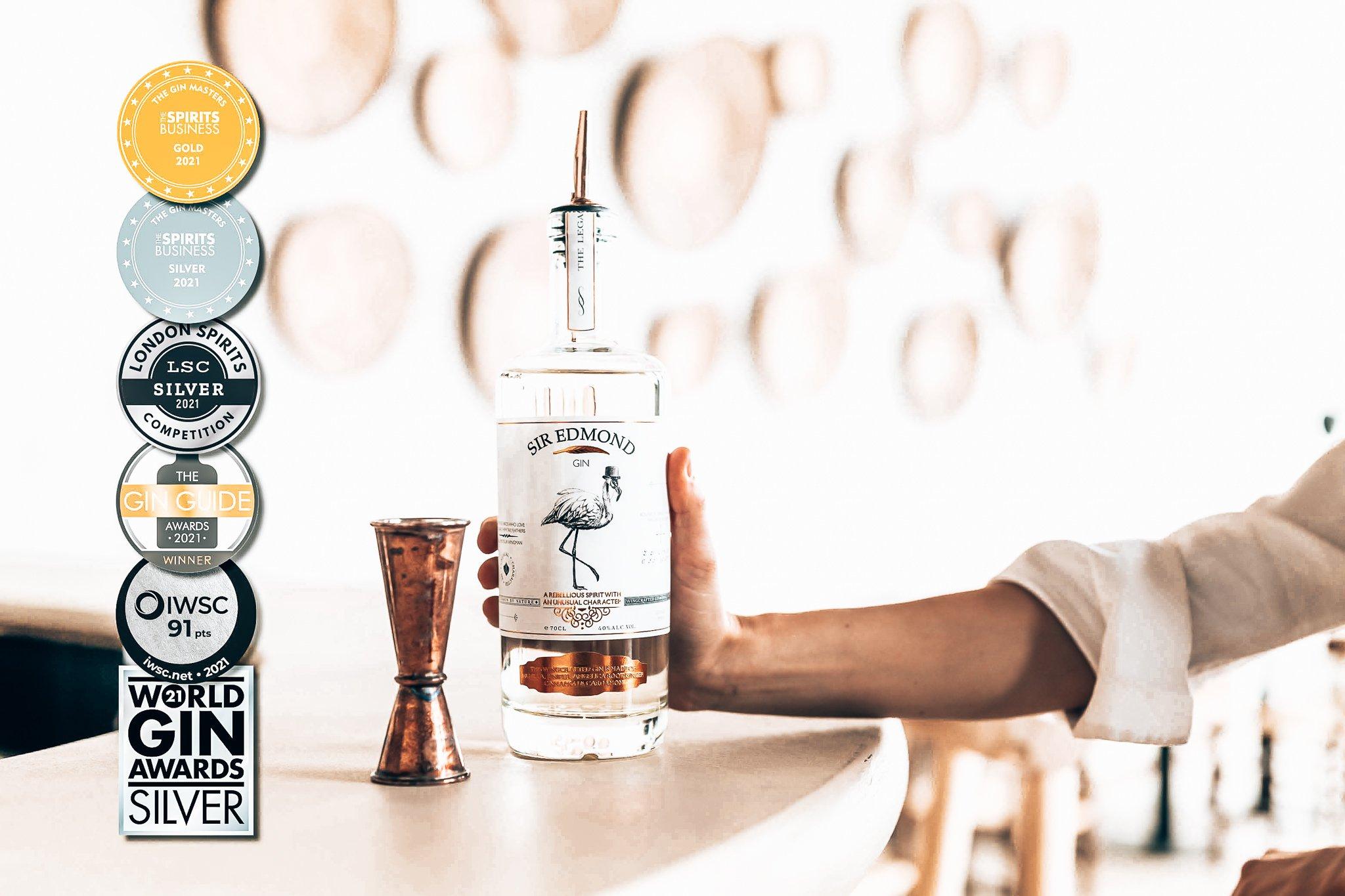 Sir Edmond Gin met medailles, Alles over gin.